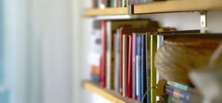 Gimnastykują mózg, uczą empatii i wydłużają życie – 5 niesamowitych korzyści z czytania książek
